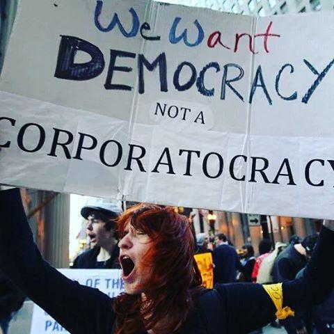 democracia hoje no brasil