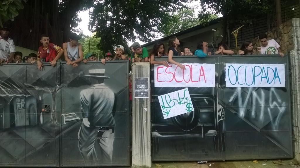 #ocupaescola