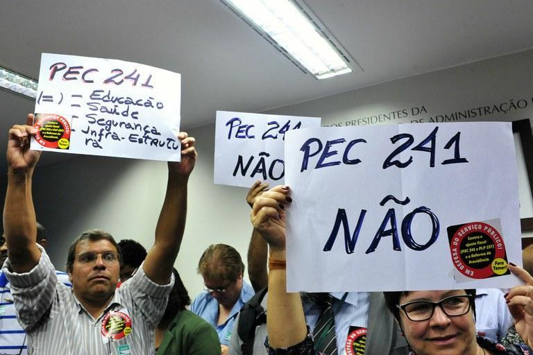 pec 241, #nãoapec241, pec o que é, #PecdoFimDoMundo, #nãoapec241, #Elesquepagem, #Queosricospaguem #RuaNeles